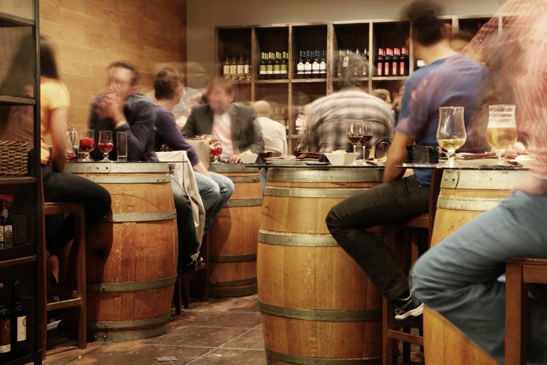 Drinking_in_Ukraine.jpg