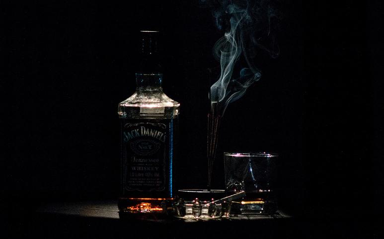 Alcohol_Nicotine.jpg